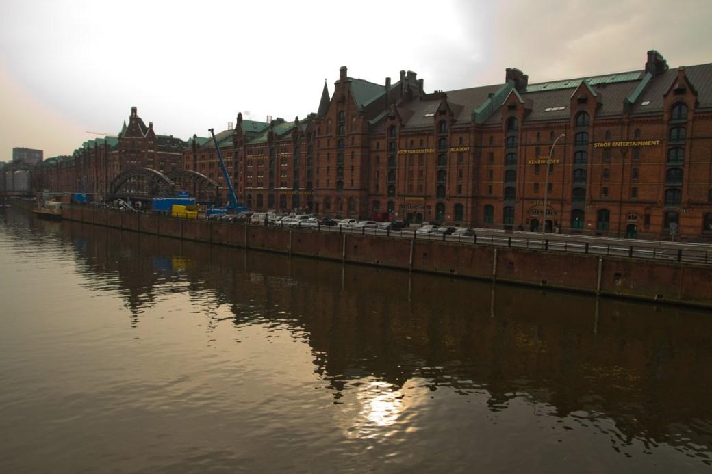 Antiguo distrito de naves o Speicherstadt, en Hamburgo, Alemania
