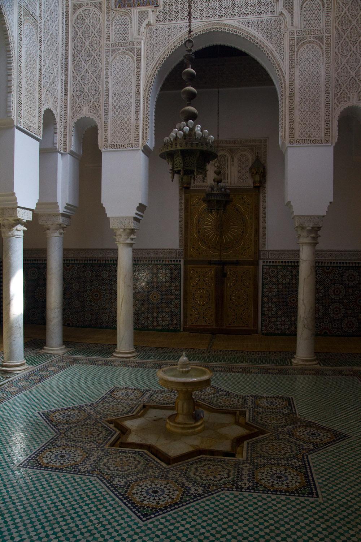 Interior del mausoleo de Moulay Ismail - Meknès, Marruecos