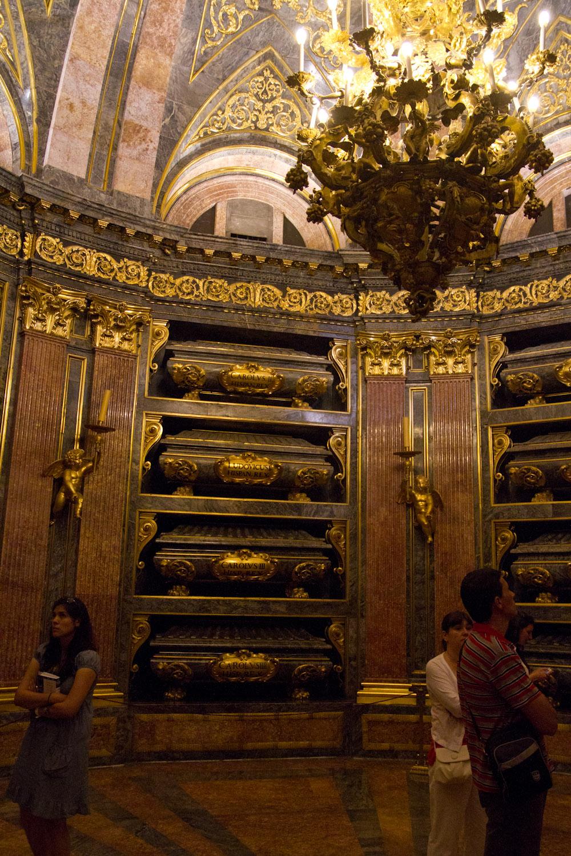Panteón Real en el Monasterio de San Lorenzo de El Escorial, España