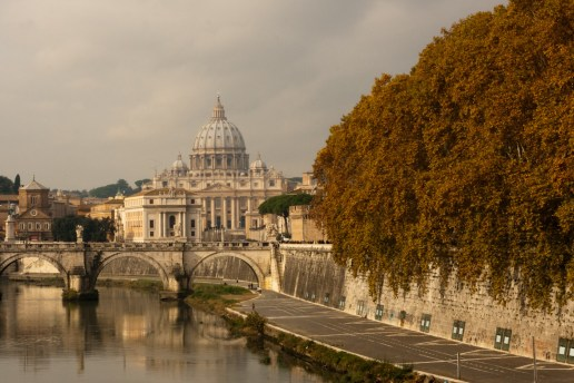 Basílica de San Pedro y río Tíber, Ciudad del Vaticano