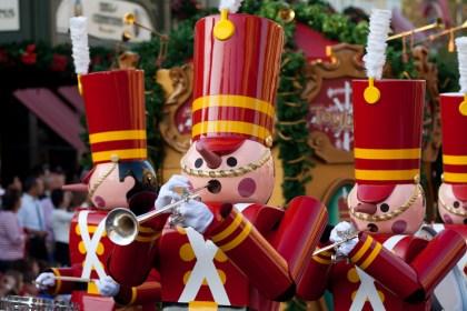Desfile de cascanueces en Walt Disney World, Orlando, FL, EE.UU.