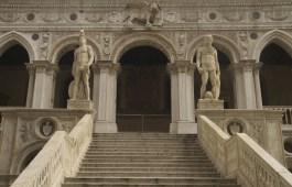 La Escalera del Gigante del Palacio Ducal de Venecia, Italia