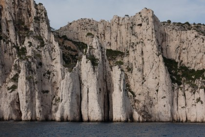 "Calanca con formación geológica llamada ""ojo de aguja"", Cassis, Francia"