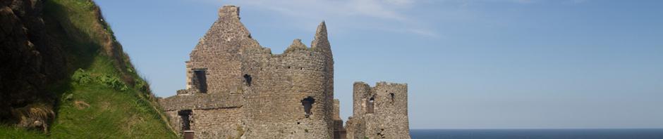 Las ruinas de Dunluce Castle, en la escarpada costa de Irlanda del Norte