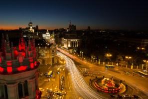 Vista nocturna de la Cibeles, calle Alcalá y Gran Vía, Madrid, España