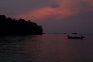 Atardecer en el campamento de isla Coiba, Panamá
