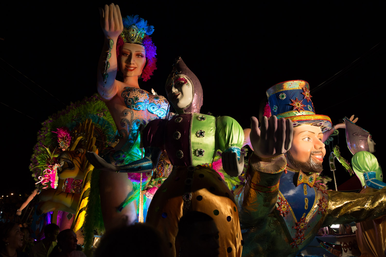 Carroza nocturna en Carnavales de Las Tablas, Panamá