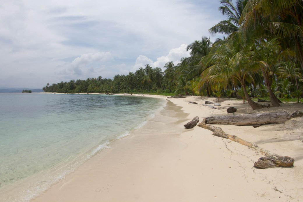 La playa de isla Iguana, archipiélago de Guna Yala o San Blas, Panamá