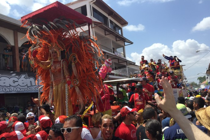 Carroza alegórica en culecos del carnaval de Las Tablas