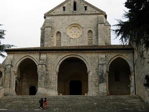 800px-Abbazia_di_Casamari_(FR)