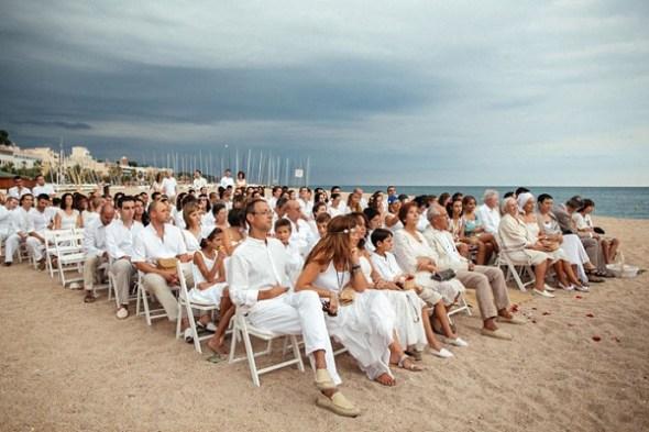 All-white-beach-wedding-in-Spain-from-Sara-Lazaro_0014