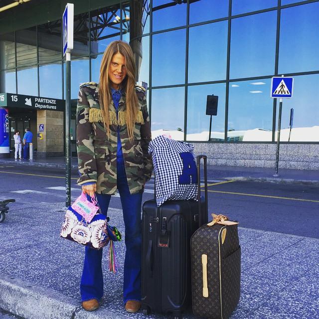 Off to Moscow! Laggage TUMI @tumitravel #tumiitaly @giorgiaviolacom @louisvuitton trolley @maisonvalentino bag @saintlaurentparis_official camo jacket ✈️✈️ @satoshiklein