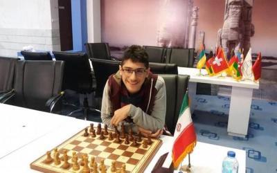 علیرضا فیروزجا، استاد بزرگ تاریخ شطرنج ایران، تابعیت جمهوری اسلامی را ترک کرد
