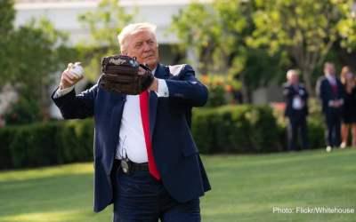 ترامپ گلایه میکند که: کسی من را دوست ندارد