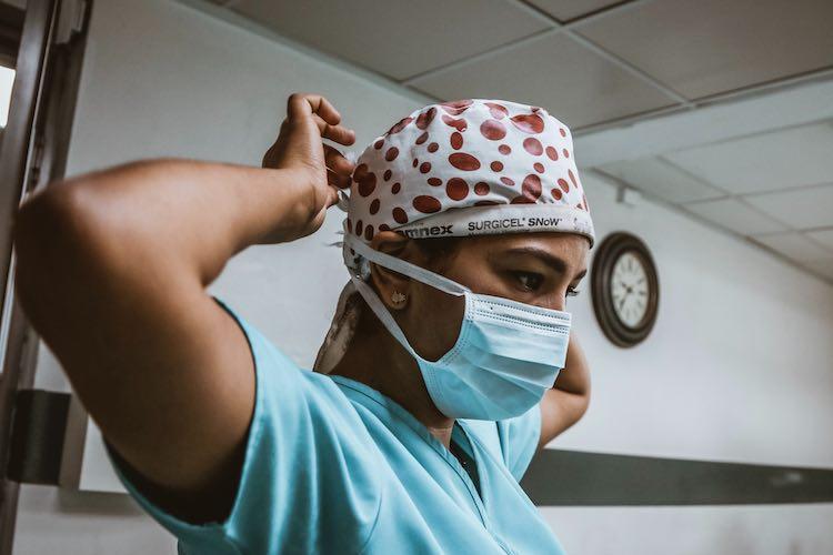 درخواست بیمارستان های انتاریو برای بازگشت محدودیتهای کرونایی
