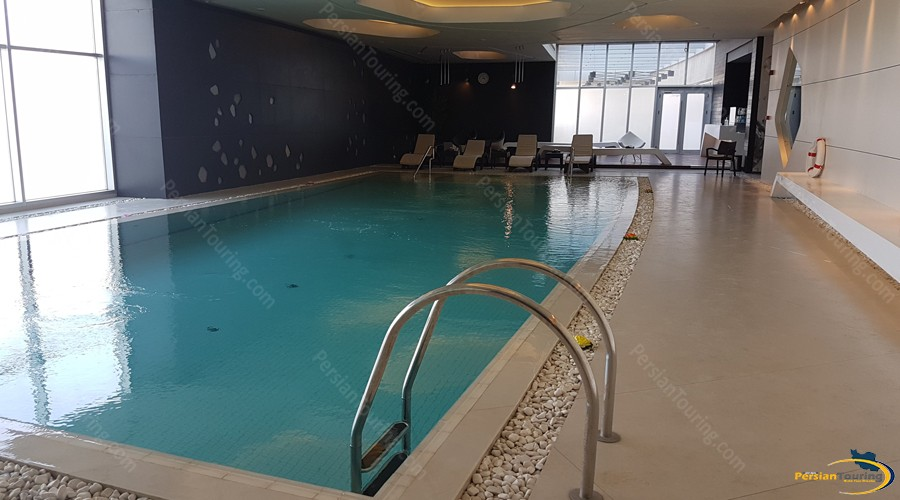 novotel-hotel-tehran-pool