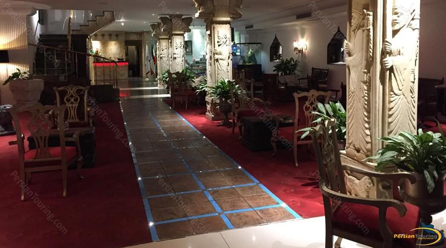 taj-mahal-hotel-tehran-lobby-1