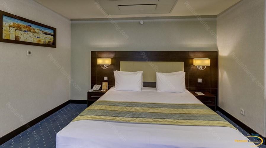 parsian-evin-hotel-tehran-normal-suite-1