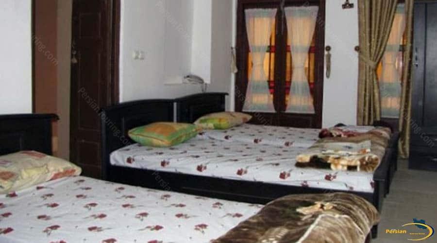 adib-al-mamalek-hotel-yazd-triple-room-1
