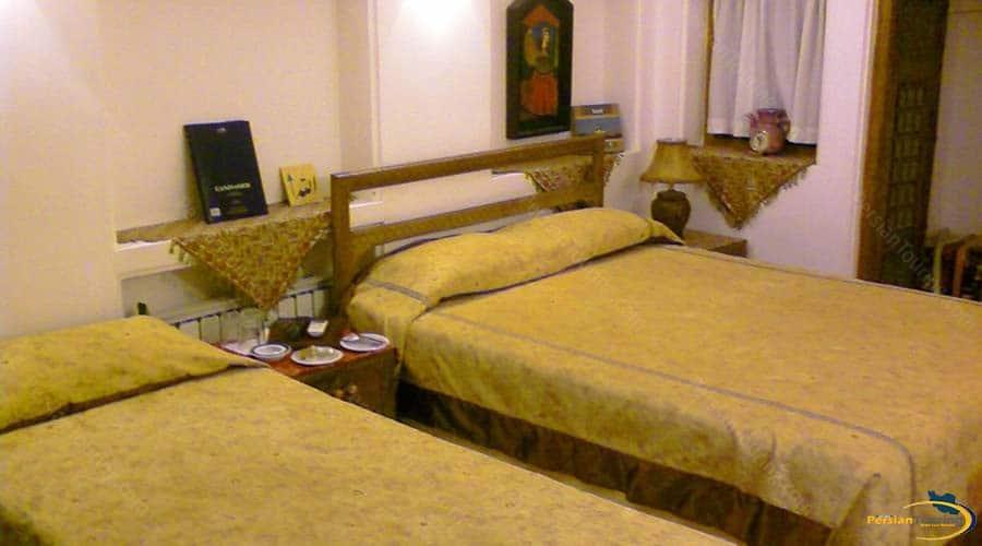fahadan-museum-hotel-yazd-triple-room-1