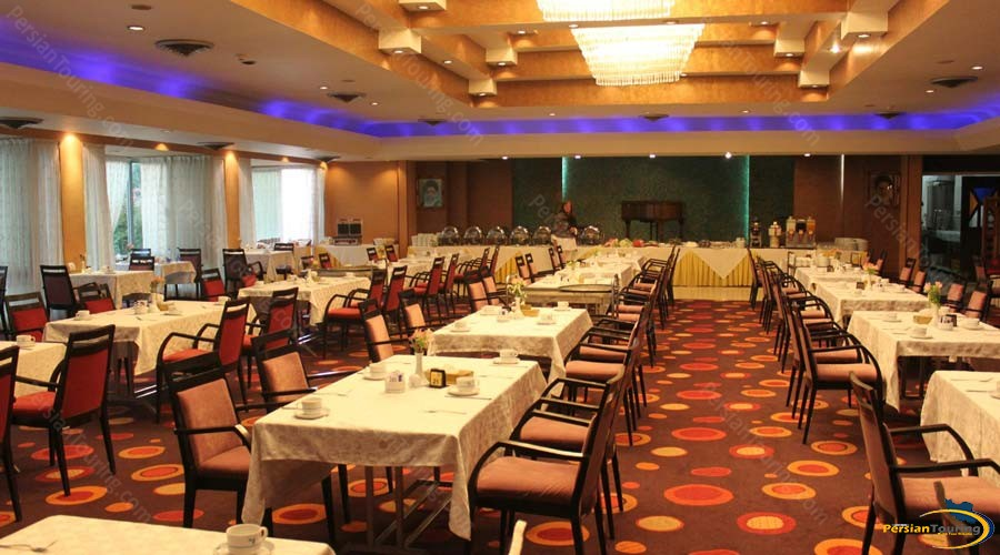 homa-hotel-shiraz-restaurant-1