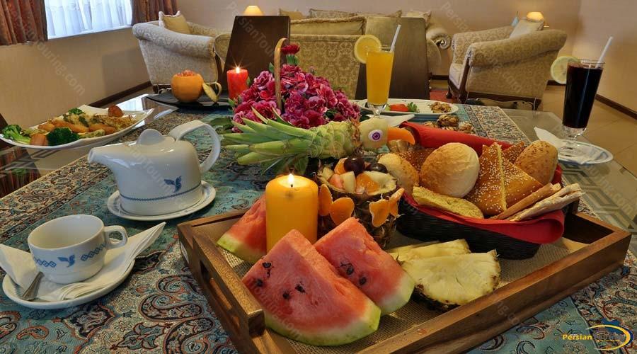 homa-hotel-shiraz-suite-2