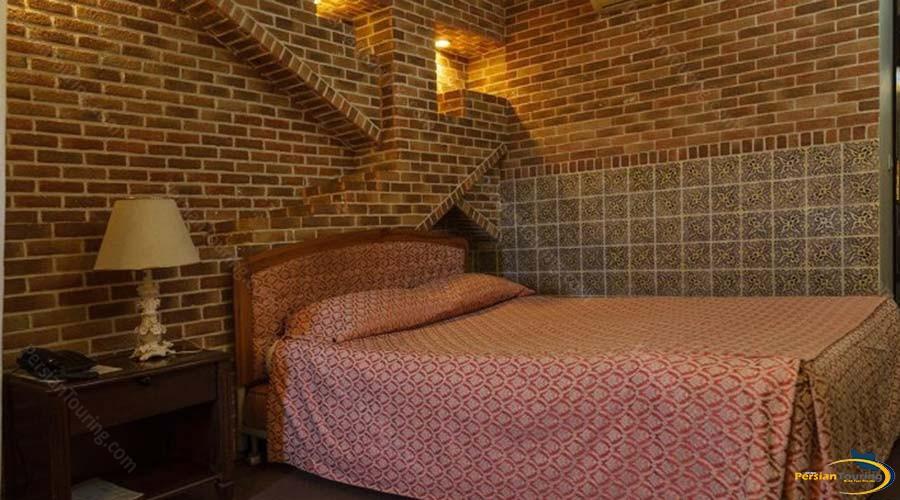 jaamejam-hotel-shiraz-double-suite-1