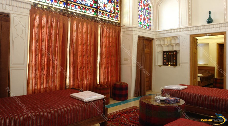 kianpour's-historical-residence-isfahan-room