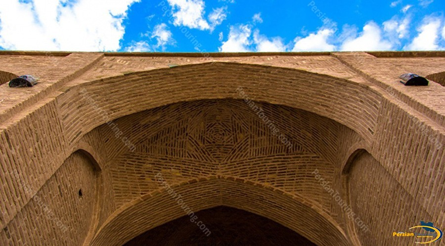 kuhpa-caravanserai-isfahan-view-7
