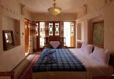 mahinestan-raheb-hotel-kashan-double-room-4