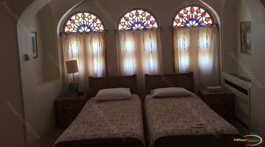 manouchehri-traditional-hotel-kashan-double-room-6