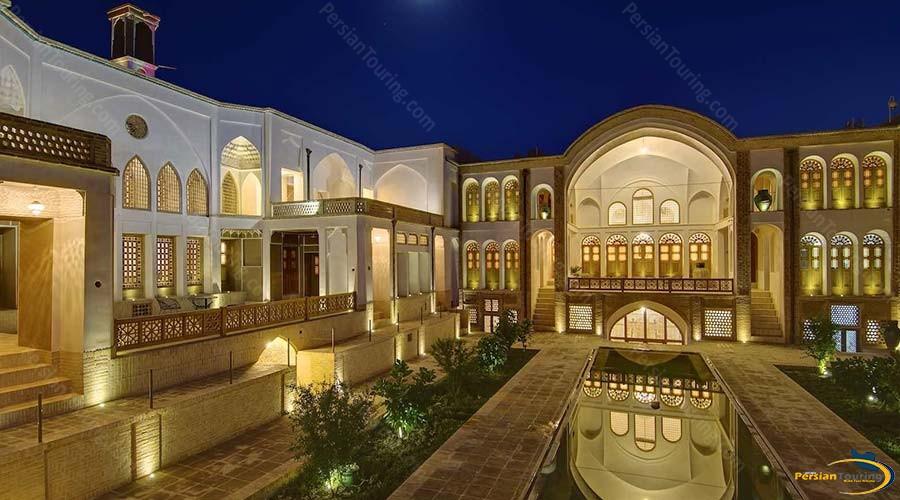 manouchehri-traditional-hotel-kashan-view-1