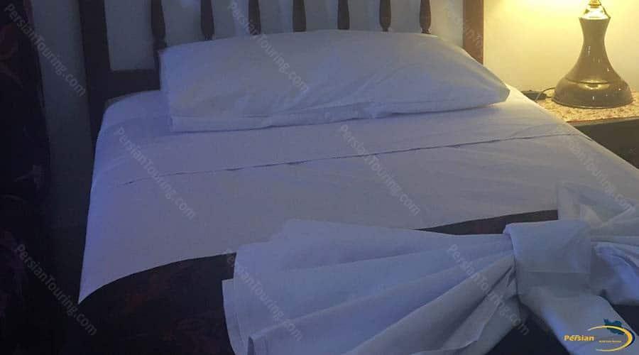 mehr-traditional-hotel-yazd-single-room-1