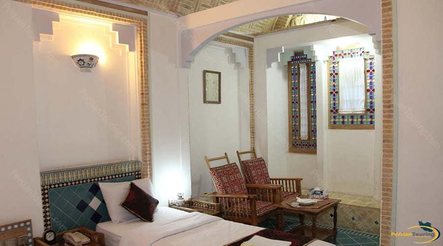 moshir-al-mamalek-garden-hotel-yazd-single-room-1