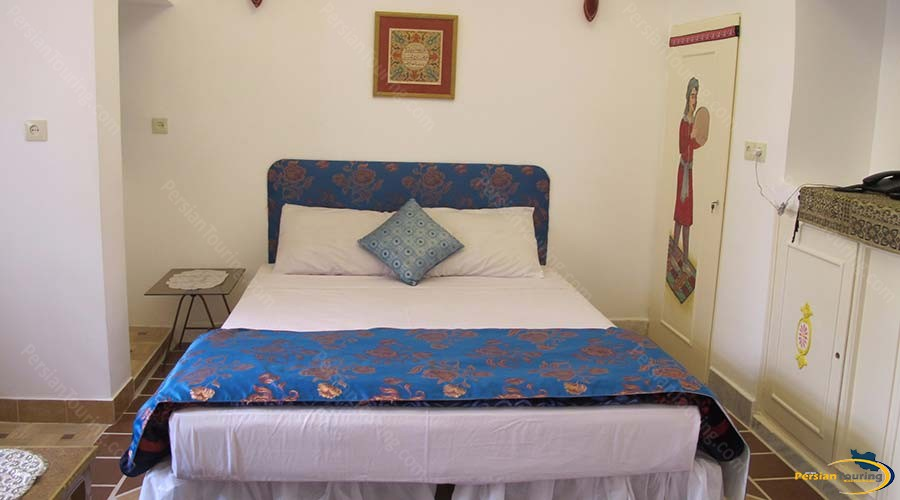 negin-traditional-hotel-kashan-double-room-4