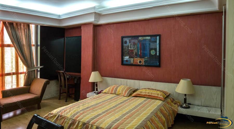 pariz-hotel-tehran-royal-suite-2