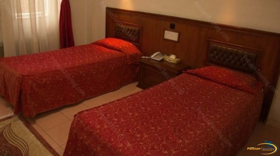 park-hotel-shiraz-twin-room-1