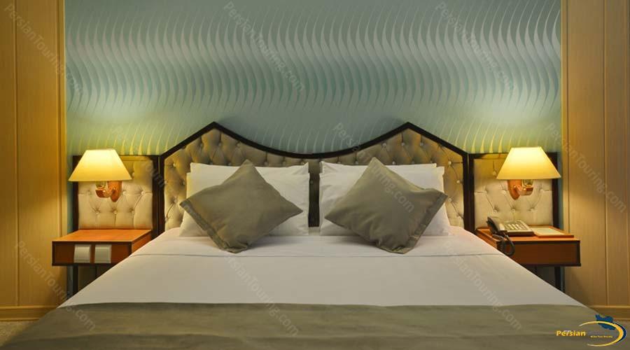 park-saadi-hotel-shiraz-double-room-2