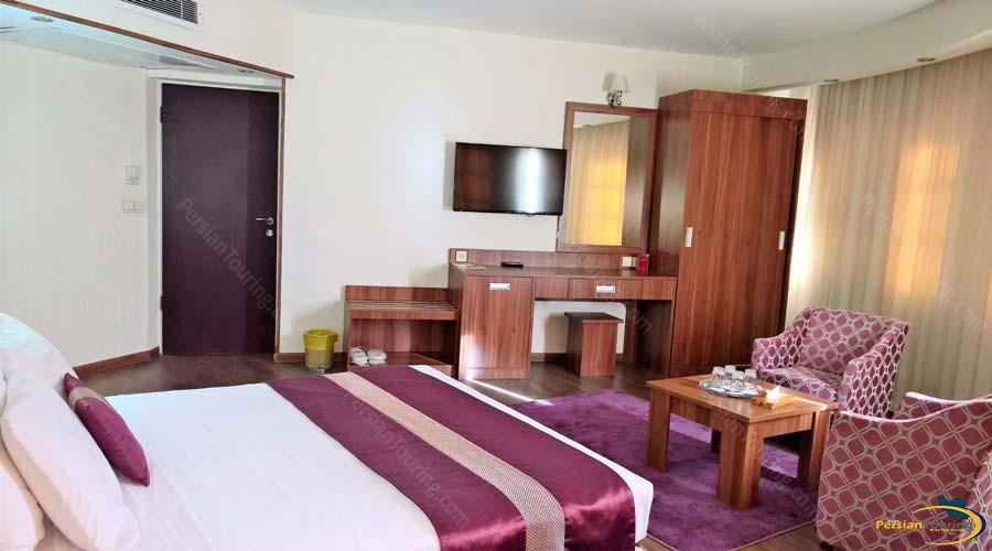 parsian-hotel-shiraz-double-room-5