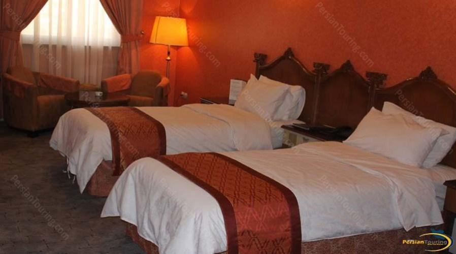 persepolis-hotel-shiraz-twin-room-4