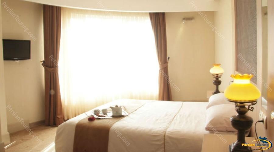 safir-hotel-isfahan-double room 3