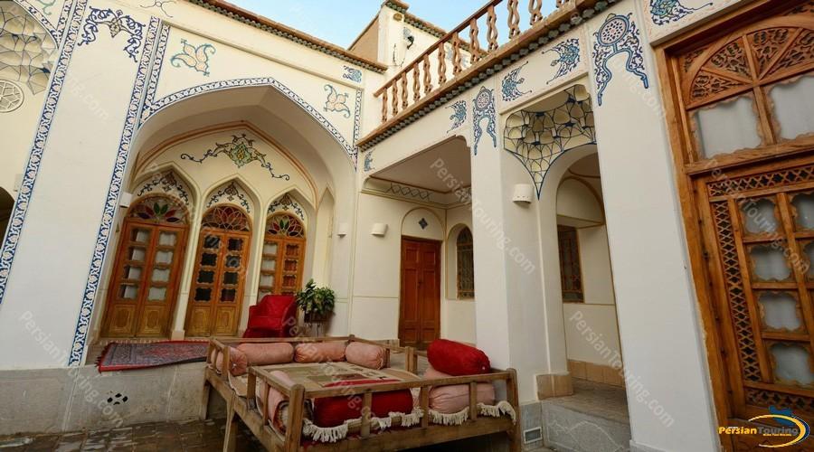 traditional-hotel-isfahan-6