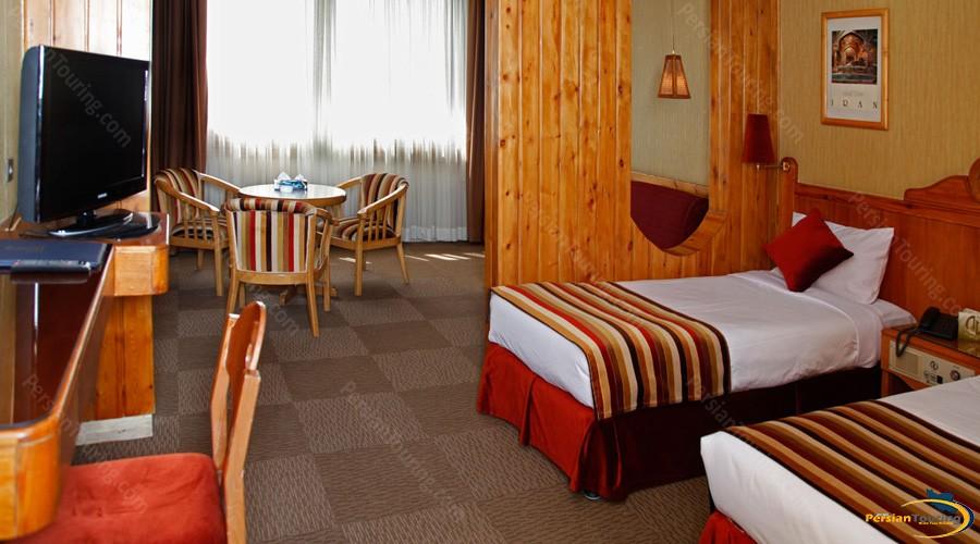 amir-hotel-tehran-twin-6