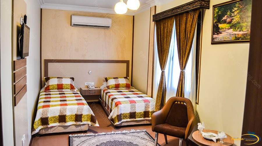 pamchal-hotel-tehran-twin-room-1