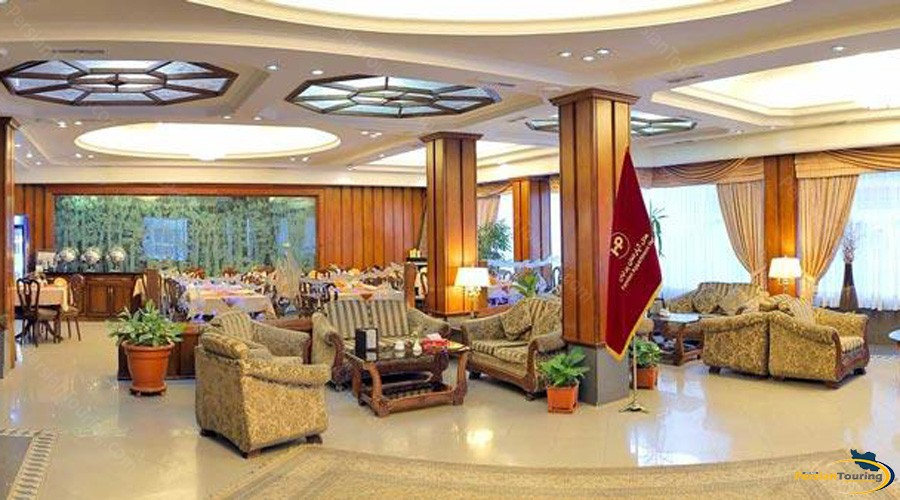 parnian-hotel-apartment-tehran-lobby-1