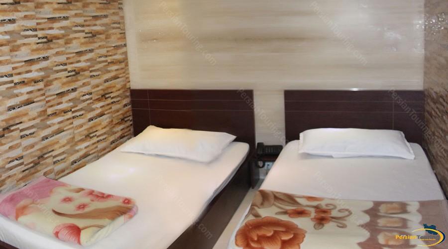parnian-hotel-apartment-tehran-twin-room-1