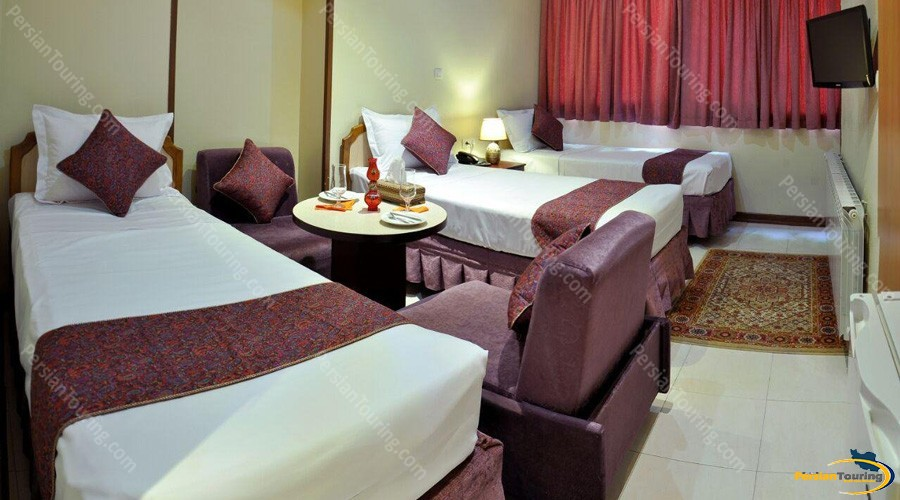 pars-hotel-isfahan-triple-room 1