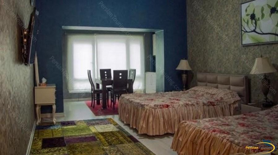 apadana-hotel-tehran-quadruple-room-2