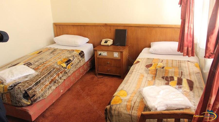 avrin-hotel-tehran-twin-room-1