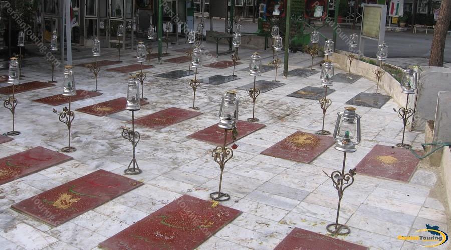 behesht-e-zahra-graveyard-1